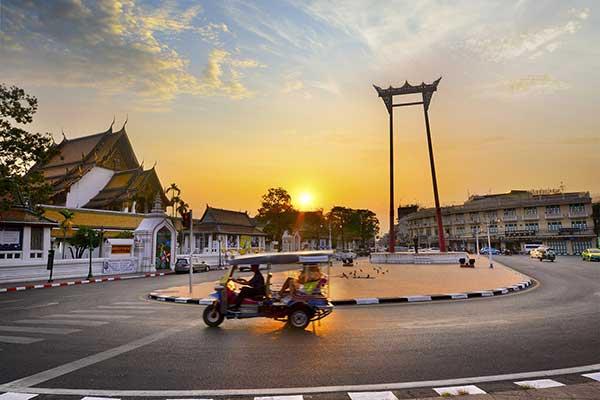 Bangkok dusk to day tour